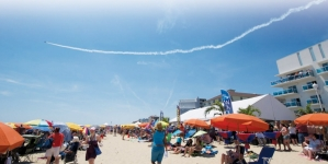 Blue Angels take Flight over OC at 2015 Air Show