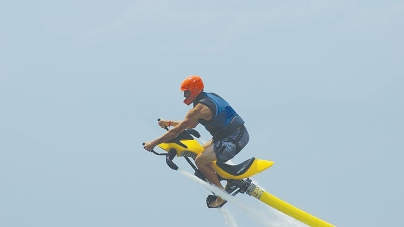 Water-powered jet bike can carry riders 30 feet above bay