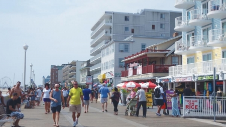 Labor Day brings boost in tourism to OC