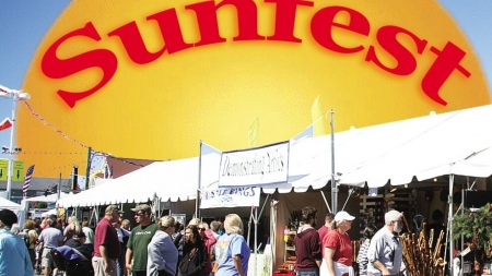 More than 300 vendors selling merchandise, food during Sunfest