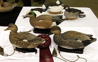 Ward World Championship Brings World's Best Bird Carvers to the Beach