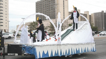 City seeks Christmas Parade marchers