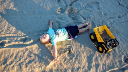 You still can make sand angels in Ocean City