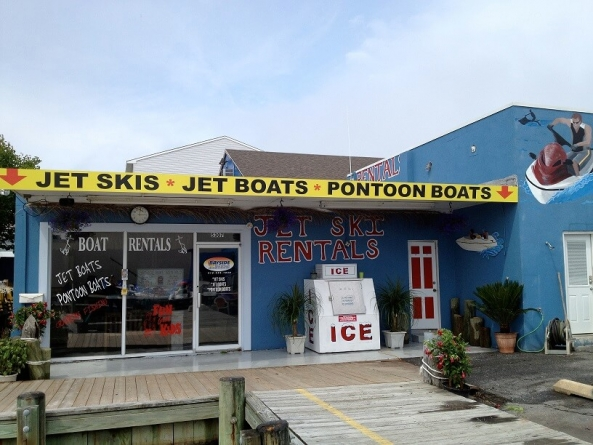 Thrill-seekers and chill-seekers welcome at Bayside Boat Rentals