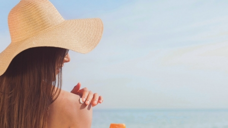 Skin Cancer Awareness Month – How to Keep Your Skin Protected this Summer
